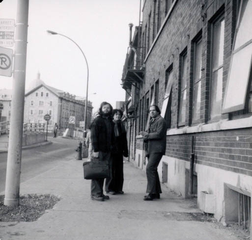 Ken Norris, Artie Gold and friend Carol in Old Montreal, mid 1970s, photo by Endre Farkas.